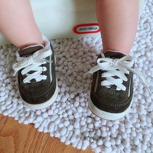 Vans baby sneaker size US 4 baby infant
